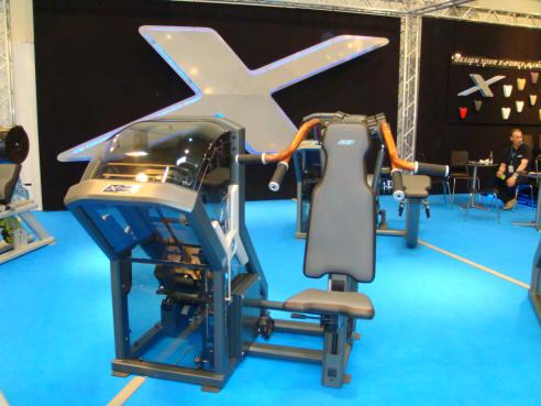 x-force styrketräningsmaskin